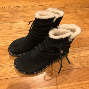 UGG #3335 Short Lace Up Boot with Shearling Lining